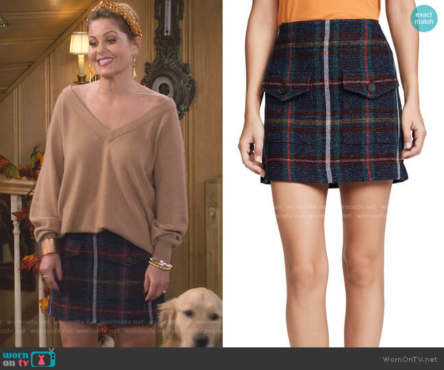Lucy Skirt by Veronica Beard worn by DJ Tanner-Fuller (Candace Cameron Bure) on Fuller House