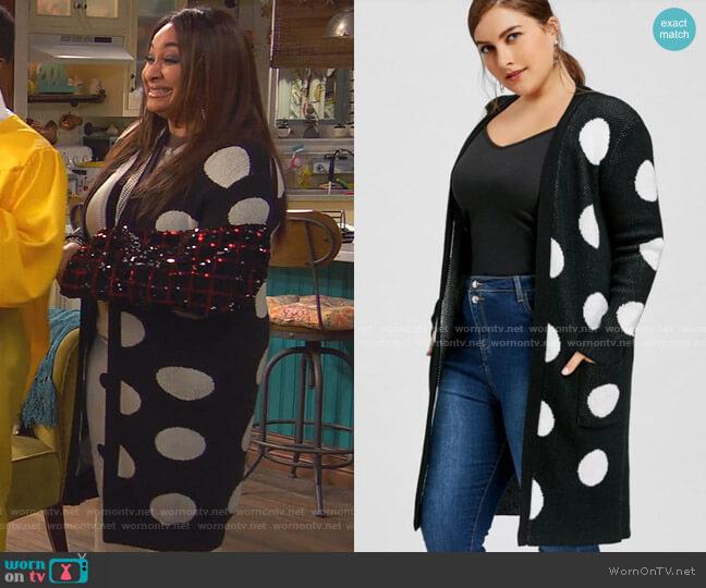 Plus Size Polka Dot Tunic Cardigan by Zaful worn by Raven Baxter (Raven-Symoné) on Ravens Home