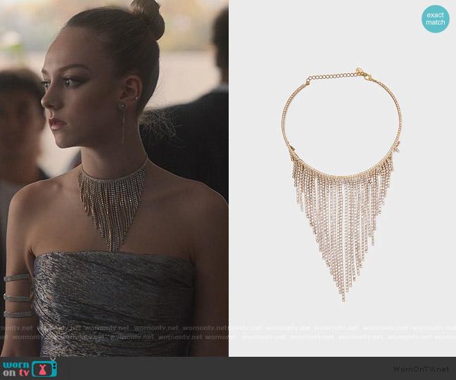 Gem Chocker Necklace by Zara worn by Carla Roson Caleruega (Ester Exposito) on Elite