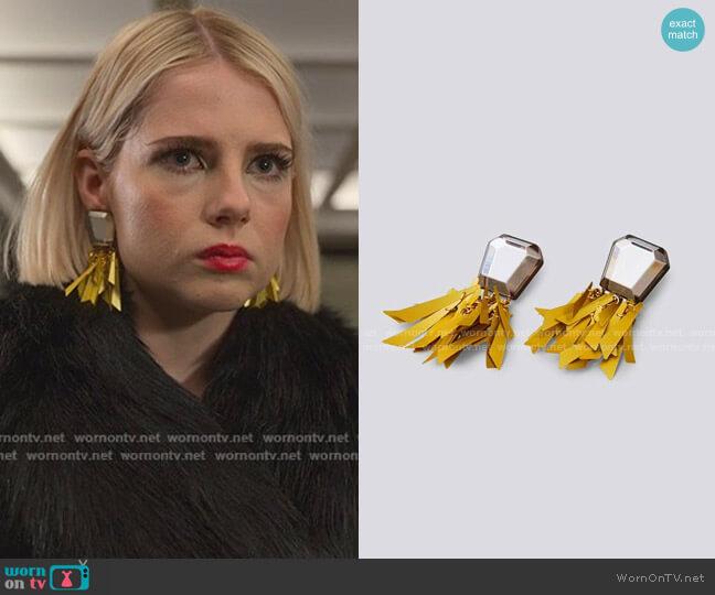 Miranda Earrings by Rachel Comey worn by Astrid (Lucy Boynton) on The Politician