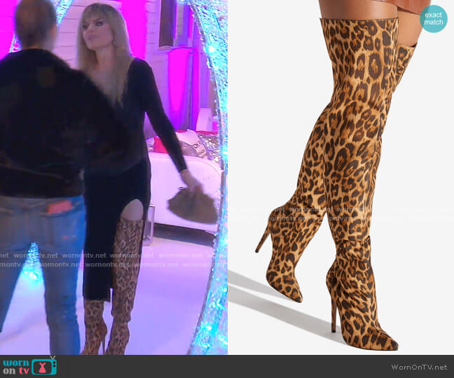 Shady B!tch Sexy Stiletto Boot by ShoeDazzle worn by Lisa Rinna  on The Real Housewives of Beverly Hills