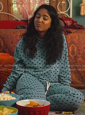 Devi's blue polka dot sweatshirt and pants on Never Have I Ever