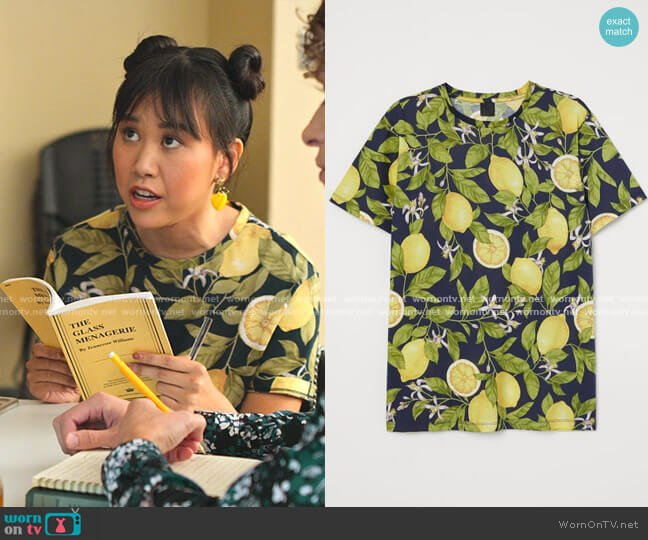 Cotton T-shirt by H&M worn by Eleanor Wong (Ramona Young) on Never Have I Ever