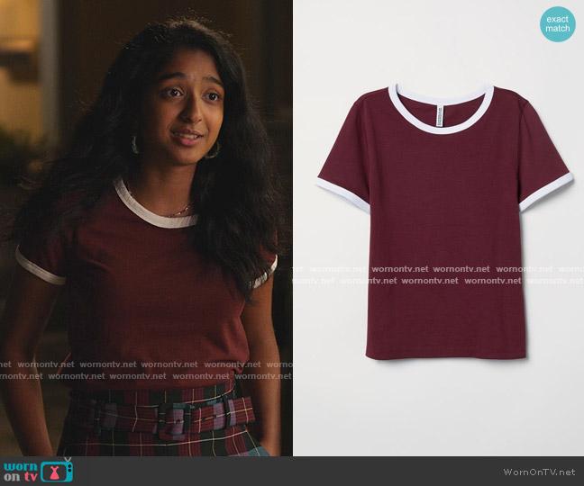 Short T-shirt by H&M worn by Devi Vishwakumar (Maitreyi Ramakrishnan) on Never Have I Ever