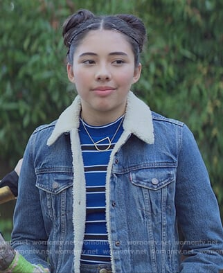 Dawn's denim sherpa jacket on The Baby-Sitters Club