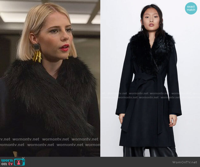 Coat with Fauxx Fur Collar by Zara worn by Astrid (Lucy Boynton) on The Politician