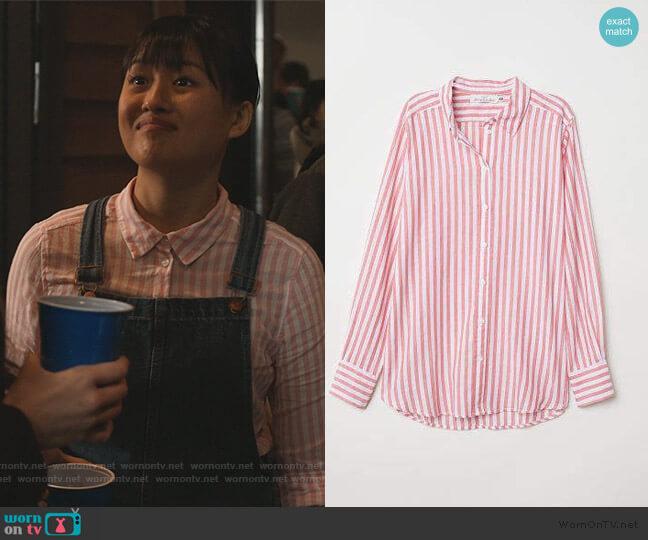 Cotton Shirt by H&M worn by Rachelle Cohen-Strauss (Haley Tju) on Trinkets