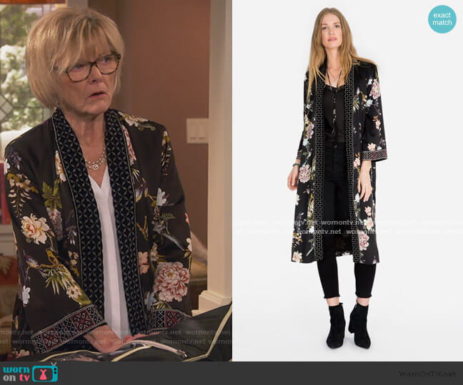 Velvet Mix Kimono by Johnny Was worn by Sandy (Jane Curtin) on United We Fall