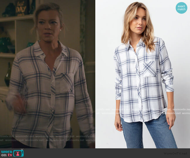 Hunter Shirt by Rails in White Storm worn by Barbara Whitmore (Amy Smart) on Stargirl