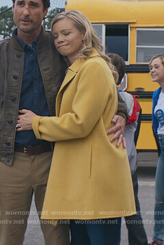 Barbara yellow coat on Stargirl