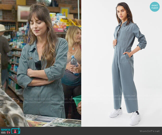 Urban Outfitters BDG Rosie Utility Jumpsuit worn by Maggie Sherwoode (Dakota Johnson) on The High Note
