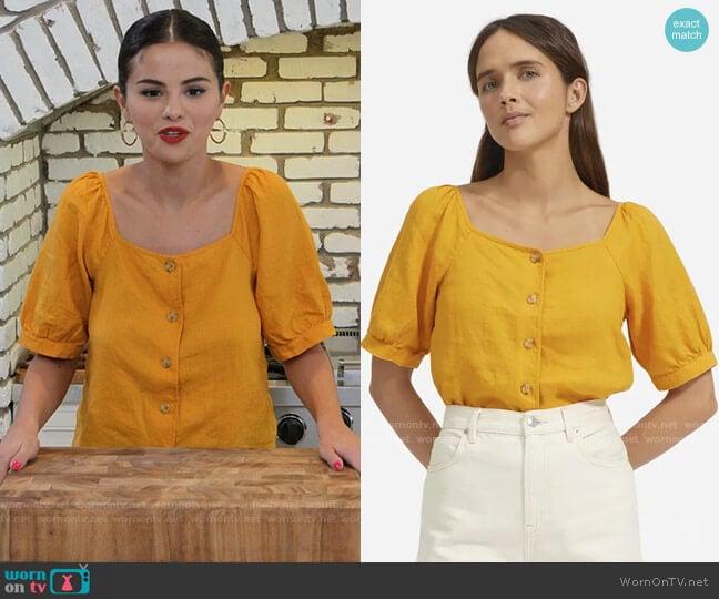 Everlane The Linen Puff-Sleeve Top worn by Selena Gomez  on Selena + Chef