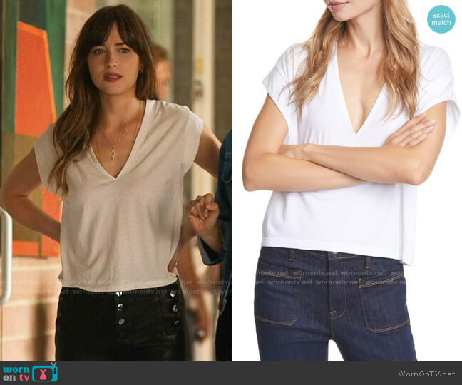 Frame Le High Rise V-Neck Tee worn by Maggie Sherwoode (Dakota Johnson) on The High Note
