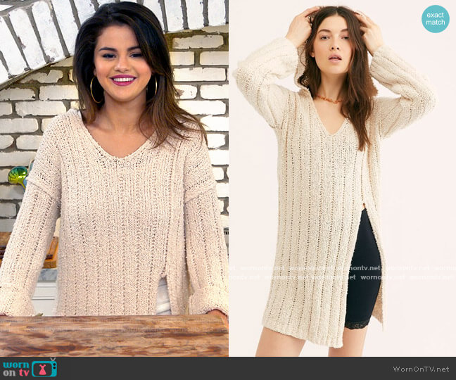 Free People Seascape Sweater worn by Selena Gomez  on Selena + Chef