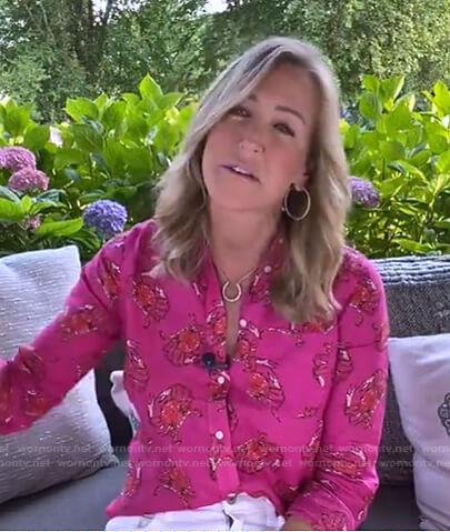 Lara's pink crab print blouse on Good Morning America