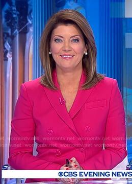 Norah's pink blazer on CBS Evening News