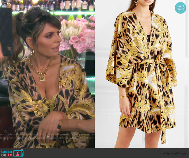 Printed Silk Robe by Versace worn by Lisa Rinna  on The Real Housewives of Beverly Hills