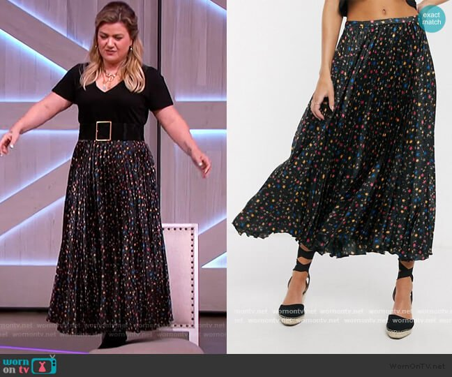 Satin Pleated Midi Skirt by ASOS worn by Kelly Clarkson  on The Kelly Clarkson Show