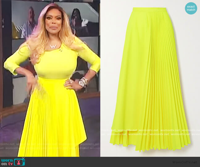 Neon asymmetric pleated poplin skirt by Christopher John Rogers worn by Wendy Williams  on The Wendy Williams Show