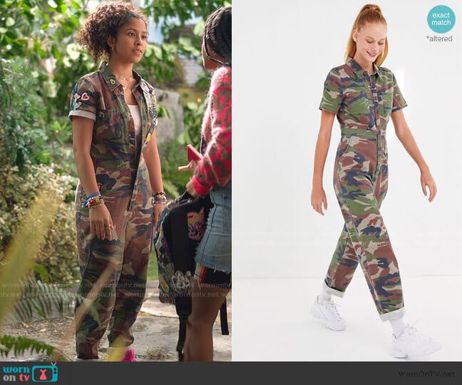 Canvas Camo Flight Jumpsuit by Urban Outfitters worn by Julie (Madison Reyes) on Julie & the Phantoms
