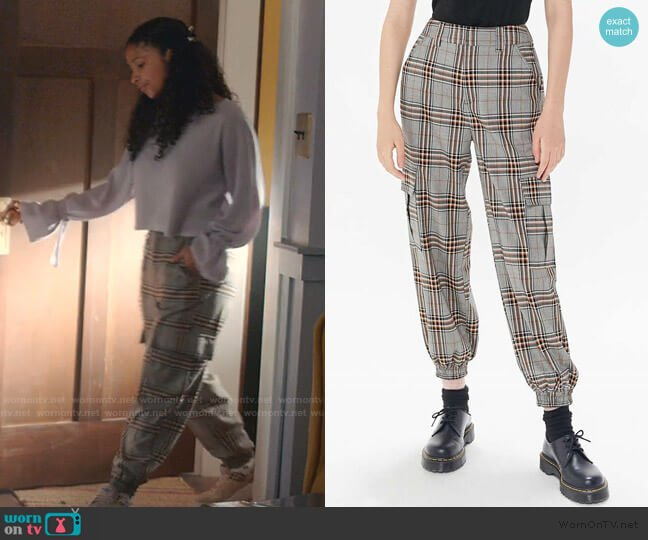 Checkered Cargo Jogger Pant by Urban Outfitters worn by Julie (Madison Reyes) on Julie & the Phantoms