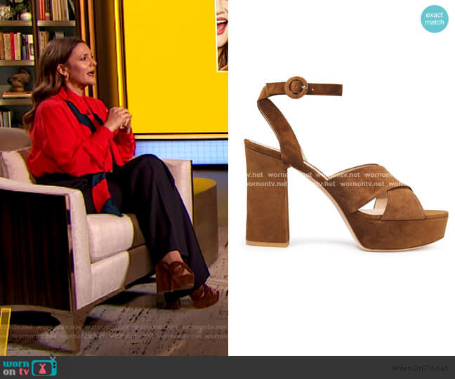 Roxy 105 suede platform sandals by Gianvito Rossi worn by Drew Barrymore  on The Drew Barrymore Show