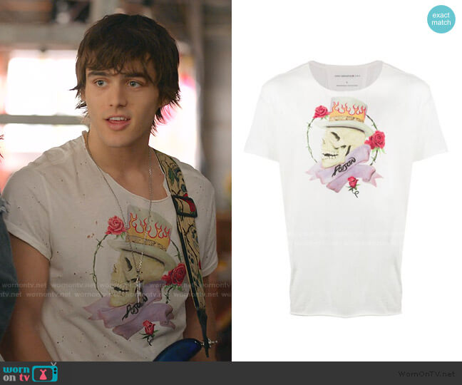 Skull Print T-shirt by John Varvatos Star USA worn by Charlie Gillespie on Julie and the Phantoms