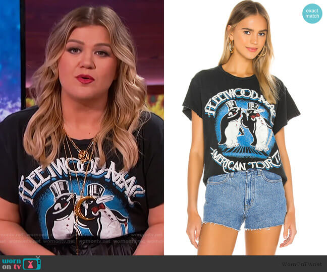 Fleetwood Mac American Tour '77 Tee by Madeworn worn by Kelly Clarkson  on The Kelly Clarkson Show