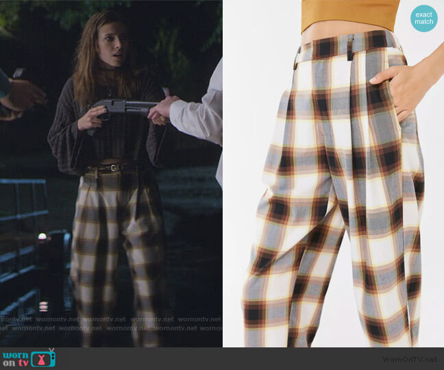 Dalton Pleated Mid-Rise Trouser Pant by Urban Outfitters worn by Blair Wesley (Anjelica Bette Fellini) on Teenage Bounty Hunters