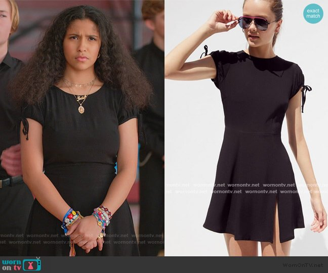 Liliana Dress by Urban Outfitters worn by Julie (Madison Reyes) on Julie & the Phantoms