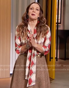 Drew's printed tie neck blouse on The Drew Barrymore Show