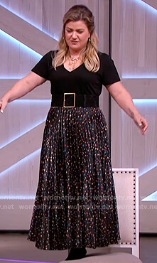 Kelly's black floral pleated skirt on The Kelly Clarkson Show