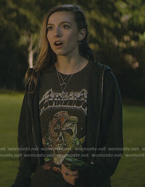 Blair's black graphic print tee on Teenage Bounty Hunters