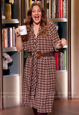 Drew's brown printed shirtdress on The Drew Barrymore Show