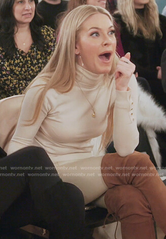 Leah's beige turtleneck sweater on The Real Housewives of New York City