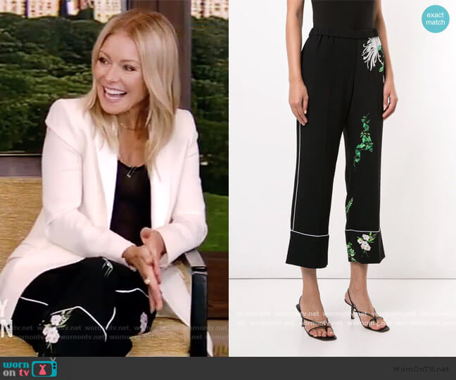 Floral Print Cropped Trousers by No. 21 worn by Kelly Ripa  on Live with Kelly & Ryan