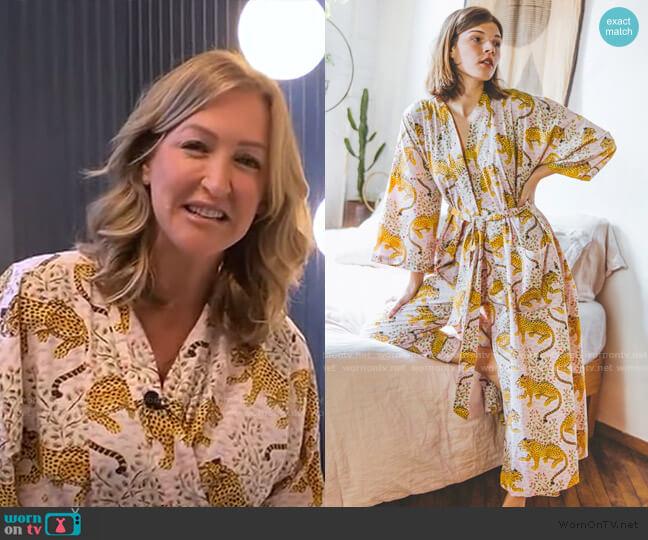 Bagheera Robe by Print Fresh worn by Lara Spencer  on Good Morning America
