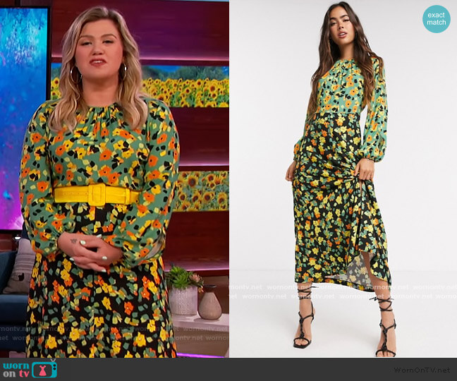 Closet London print midi dress in contrast floral by ASOS worn by Kelly Clarkson  on The Kelly Clarkson Show