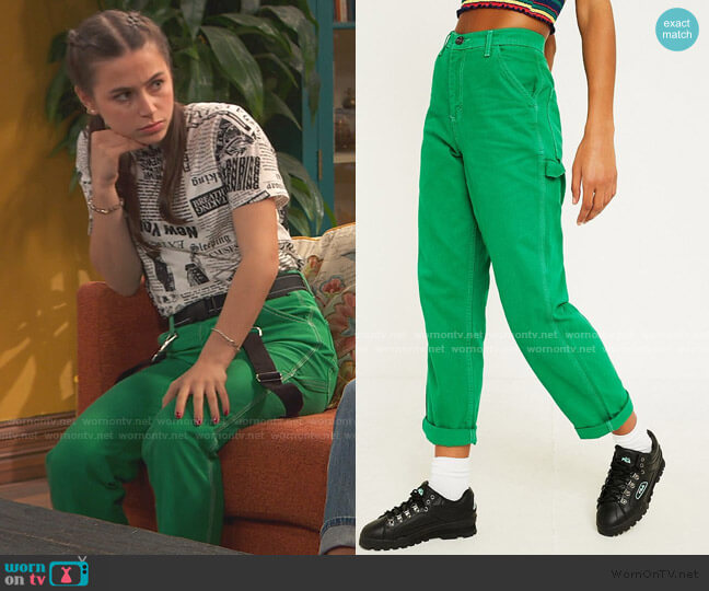 Contrast Stitch Green Workwear Jeans by BDG worn by Tess O'Malley (Sky Katz) on Ravens Home