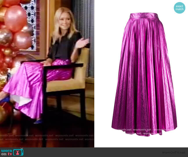 Metallic maxi skirt by Christopher Kane worn by Kelly Ripa  on Live with Kelly & Ryan