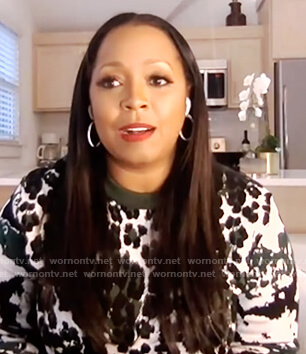 Keishia Knight's green leopard sweater on E! News Daily Pop