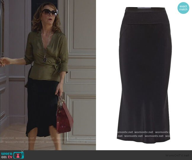 Stretch midi skirt by Rick Owens worn by Sylvie (Philippine Leroy-Beaulieu) on Emily in Paris