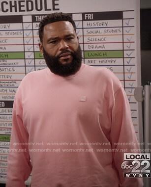 Andre's pink sweatshirt on Black-ish