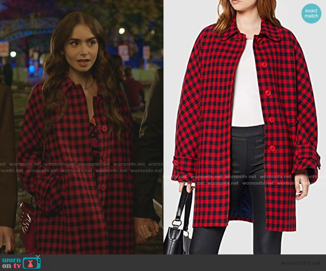 Sidudel Coats by Benetton worn by Emily Cooper (Lily Collins) on Emily in Paris