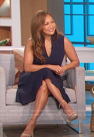 Carrie's navy sleeveless dress on The Talk