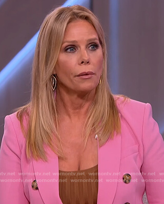 Cheryl Hines's pink double breasted blazer on The Kelly Clarkson Show
