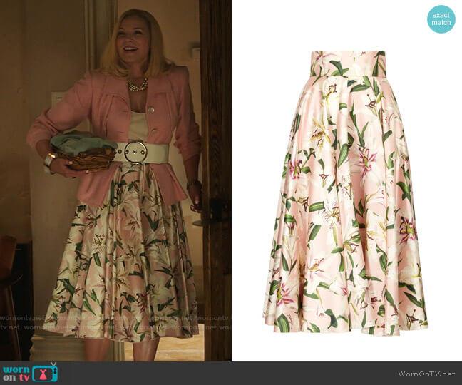 Dolce & Gabbana Lily-print shantung-silk midi skirt worn by Margaret Monreaux (Kim Cattrall) on Filthy Rich