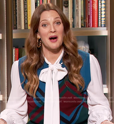 Drew's printed vest on The Drew Barrymore Show