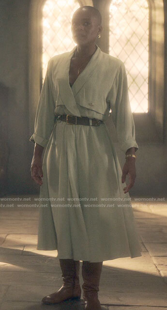 Hannah's mint green linen dress on The Haunting of Bly Manor