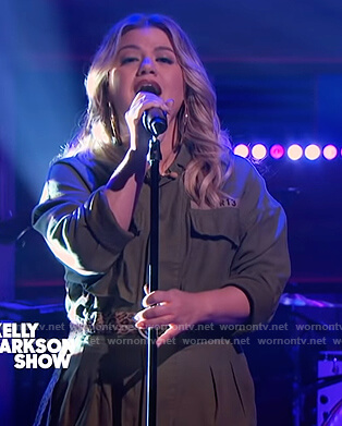 Kelly's green utility jumpsuit on The Kelly Clarkson Show